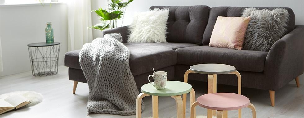 cz-blog-konferencni-stolek-z-taburetu-DIY-img