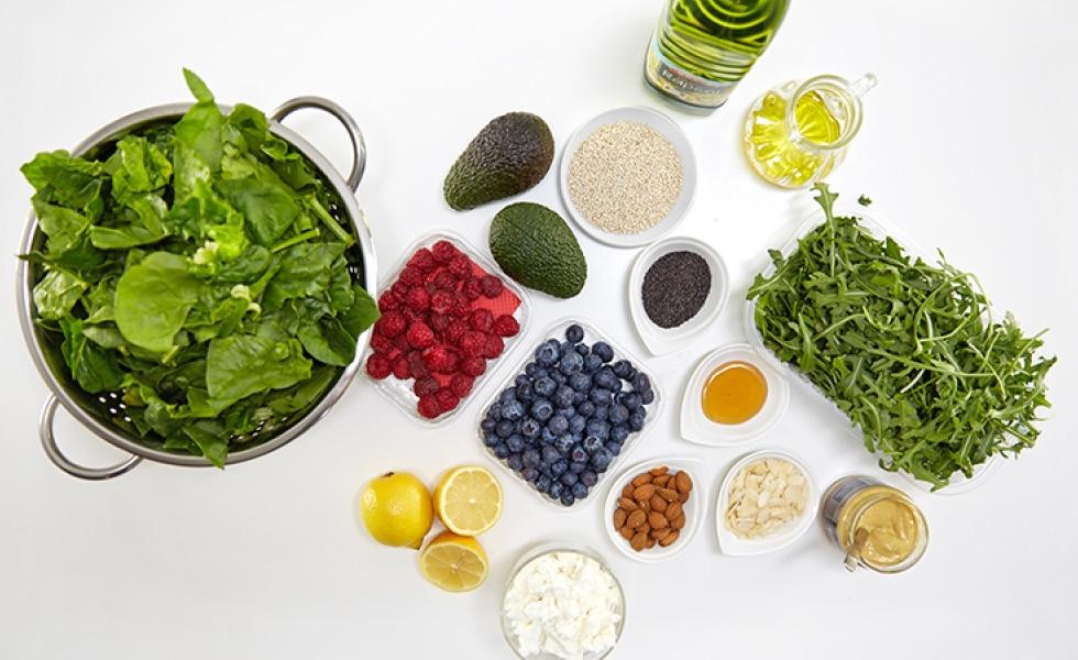 sk-blog-quinoa-salat-s-medovo-makovou-zalievkou-img1