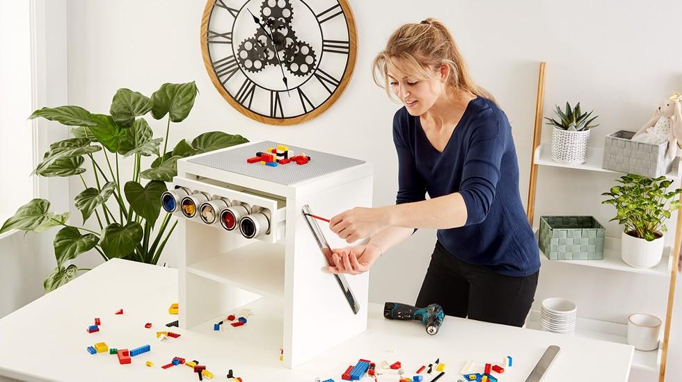 Dětský stolek na hraní DIY