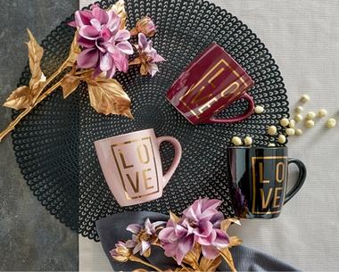 Hrnčeky na kávu Love ako spoločný valentínsky darček