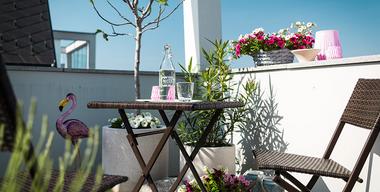 Reduzierte Gartenmöbel für Garten oder Balkon.jpg