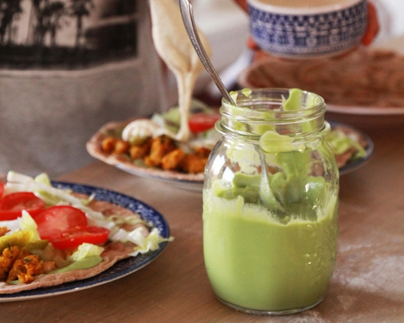 Veganská majonéza z avokáda