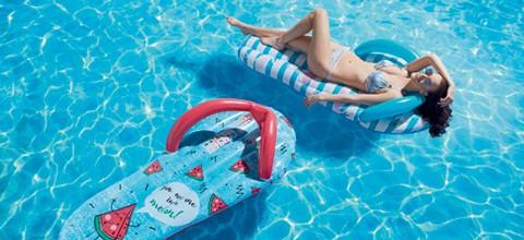 trendy-pool-party_CZ