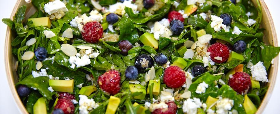 sk-blog-quinoa-salat-s-medovo-makovou-zalievkou-img
