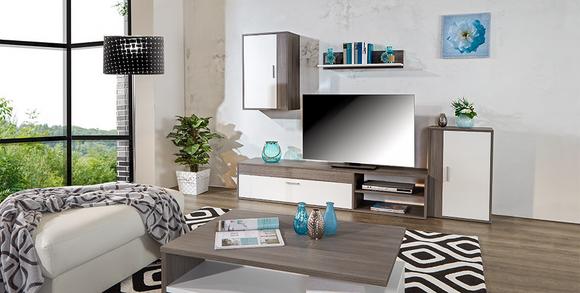 Offenes Wohnzimmer mit TV-Möbeln.jpg