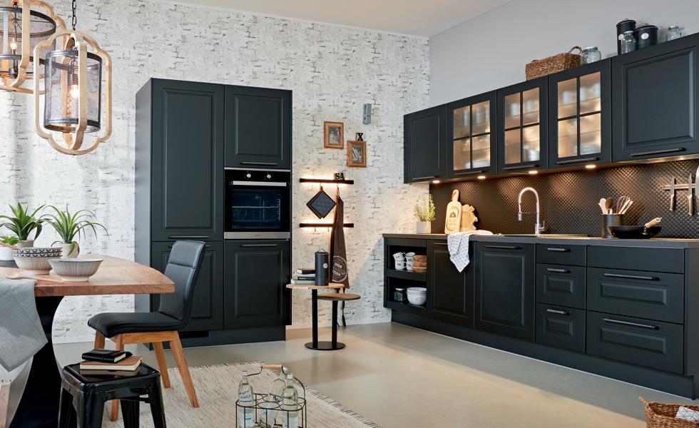 Čierna matná kuchyňa - Möbelix