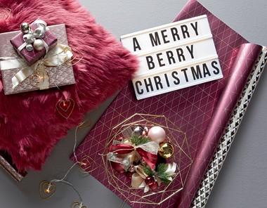 Balenie darčekov Merry Berry Christmas