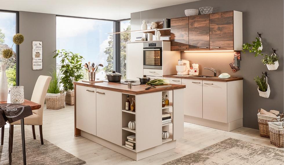 Kuchyň s ostrůvkem a vestavěnými spotřebiči