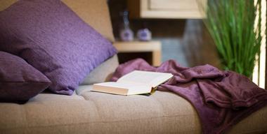 Bunte Kissen als Dekoidee für die Couch.jpg