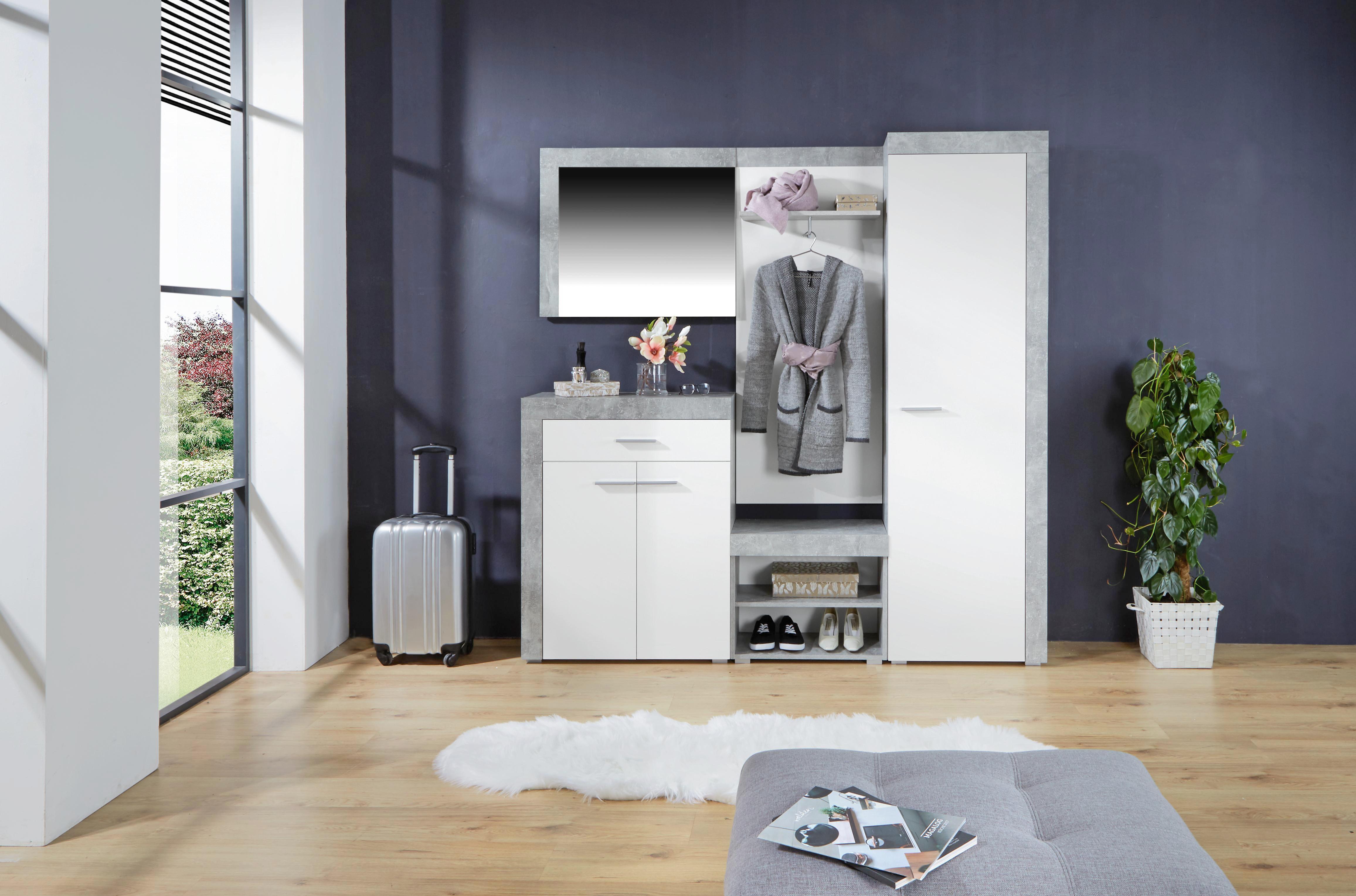 Garderobe in Betonoptik