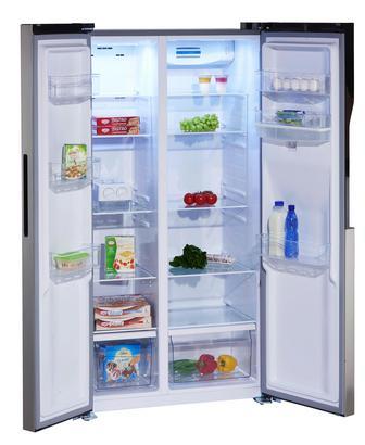 Side-by-Side-Kühlschrank mit viel Platz