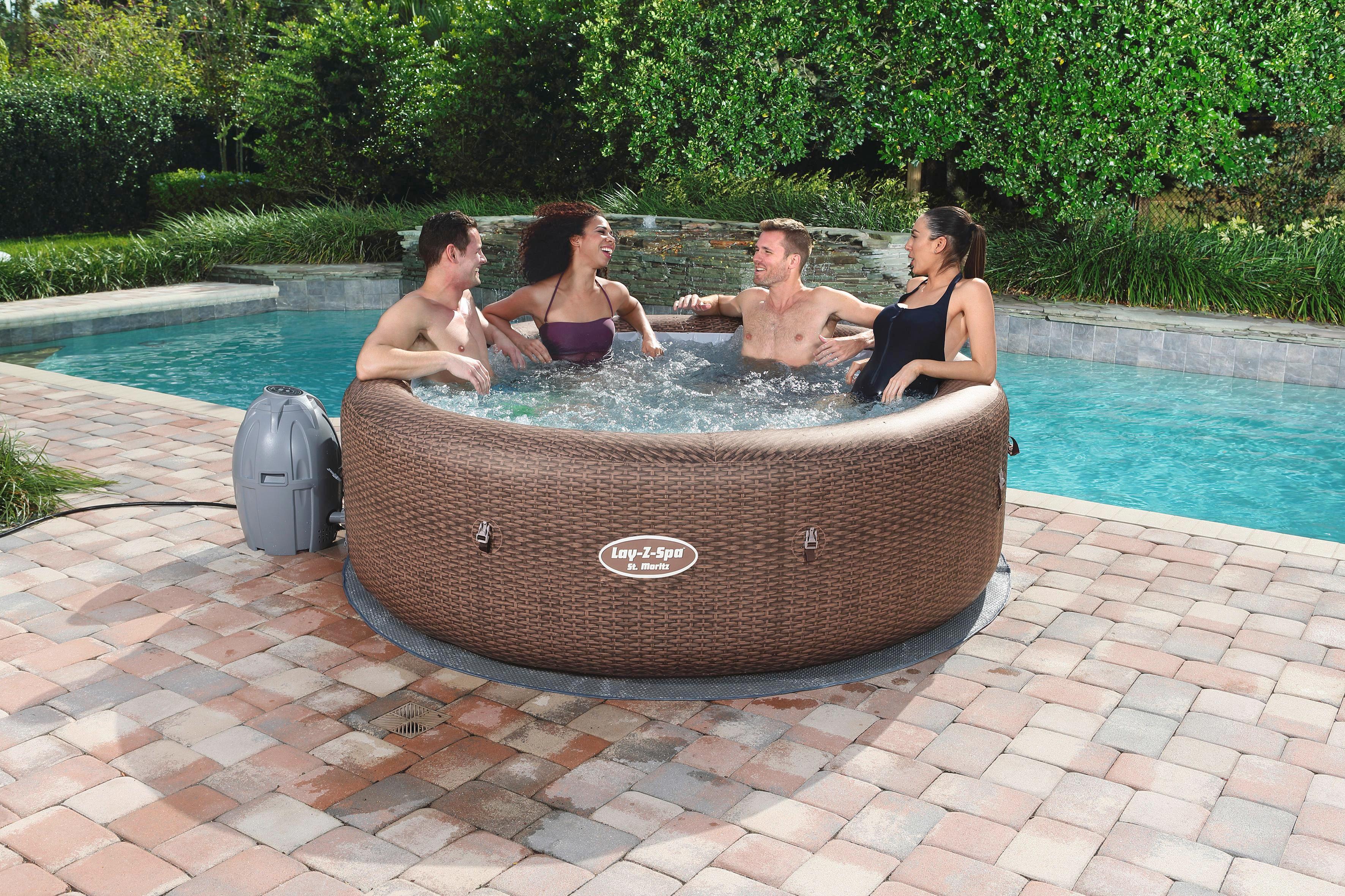 Aufblasbarer Whirlpool für bis zu sieben Personen