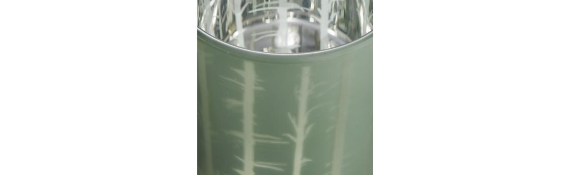 Teelichthalter mit eleganten Hirschmotiv