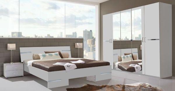 4-teiliges Schlafzimmer mit Schwebetürenschrank