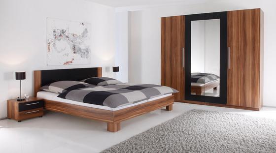 Hálószoba Program Martina - fekete/diófa színű, modern (225/210/65cm)