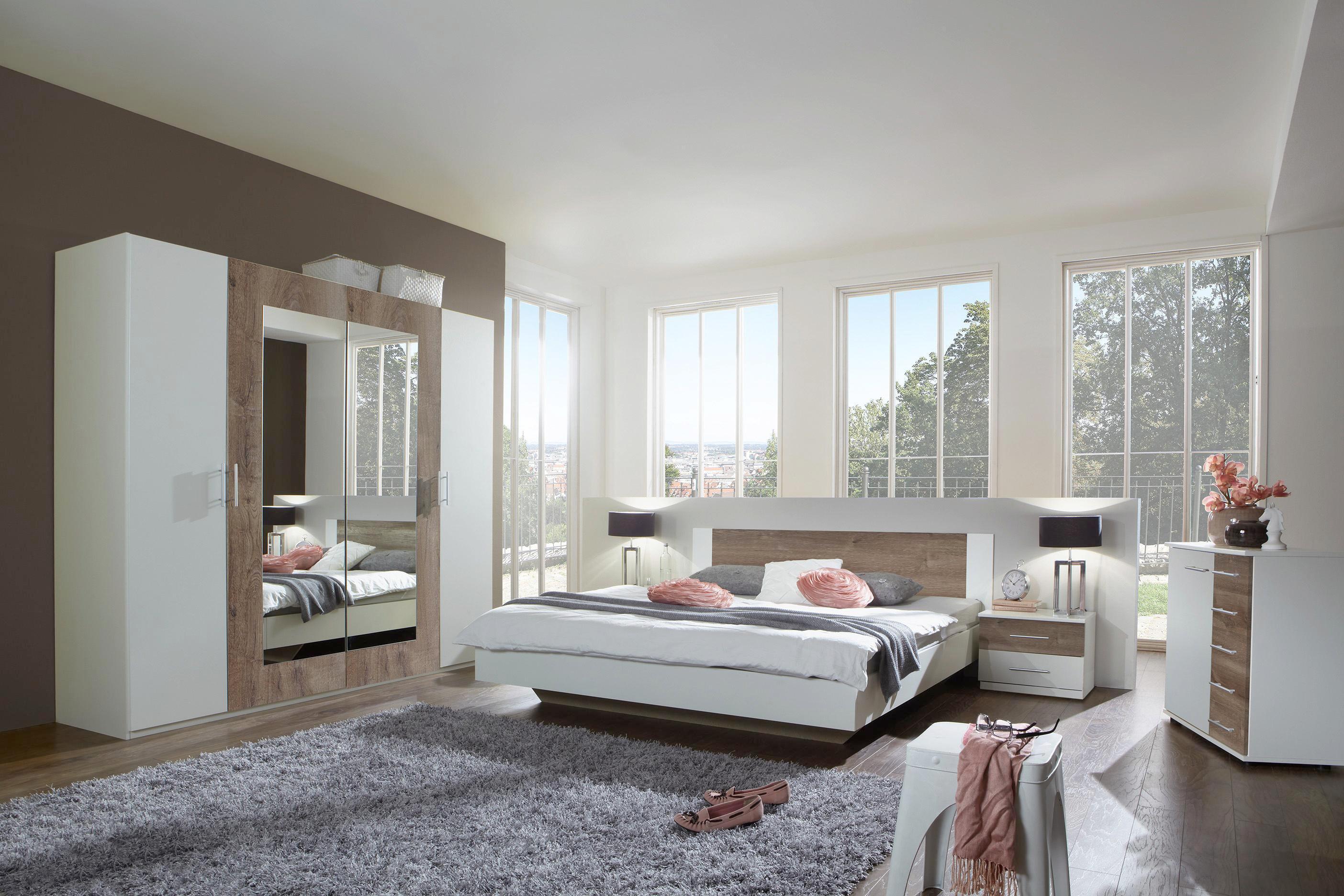 Schlafzimmer Aus Bett Schrank Und Nachtkastchen